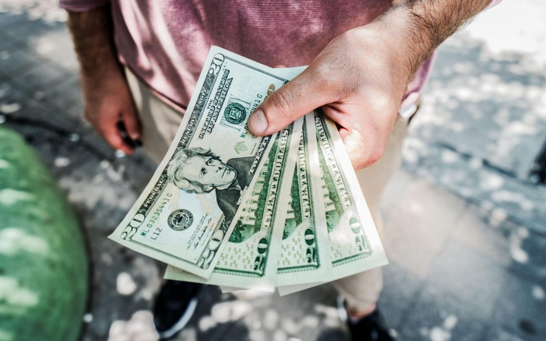 How to Make a Competitive Offer Against Cash for Homes Buyers